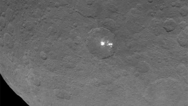 La NASA fotografía los misteriosos puntos brillantes de Ceres más cerca que nunca (Video)