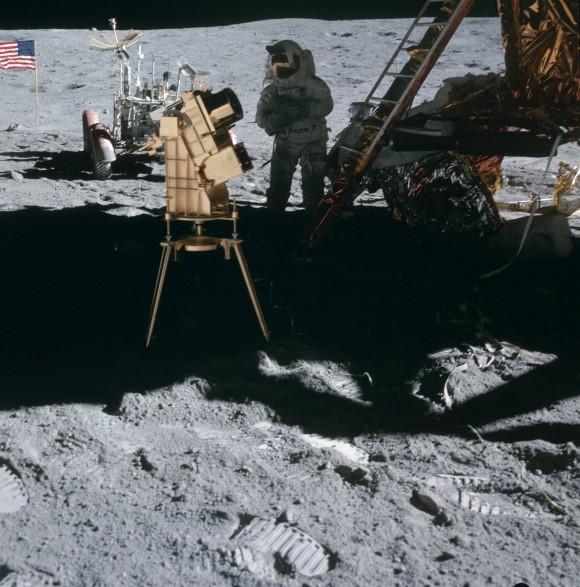 LA LUNA:¿Telescopios en la luna?