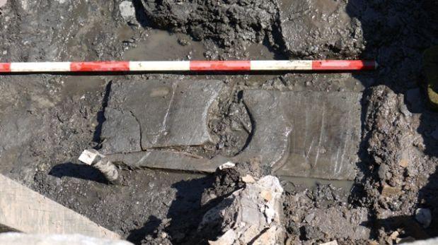Descubren asiento de inodoro romano DE MADERA con 2.000 años de antiguedad