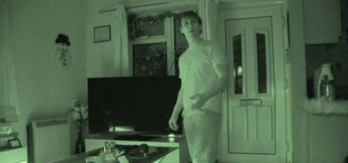 Joven graba en vídeos fantasmas que lo persiguen (real 100 x 100)