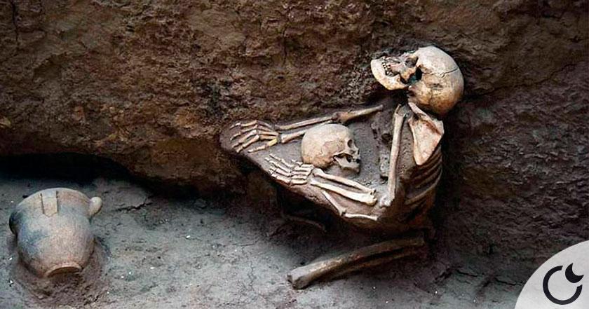 Un abrazo maternal de 4.000 años en la «Pompeya del Oriente»