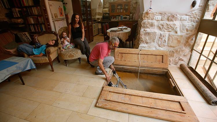 Remodelan su casa en Jerusalén y hallan un 'tesoro' de 2.000 años bajo sus pies