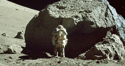 NASA publica 8,400 fotos tomadas en misiones a la Luna