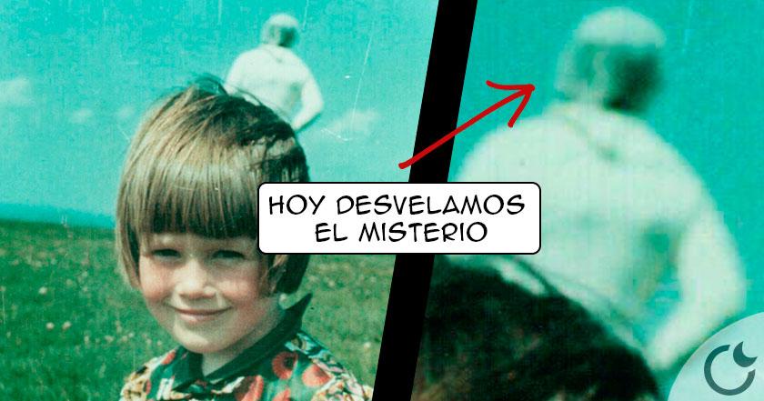 El famoso misterio del ASTRONAUTA en foto de niña ¿AL FIN REVELADO?